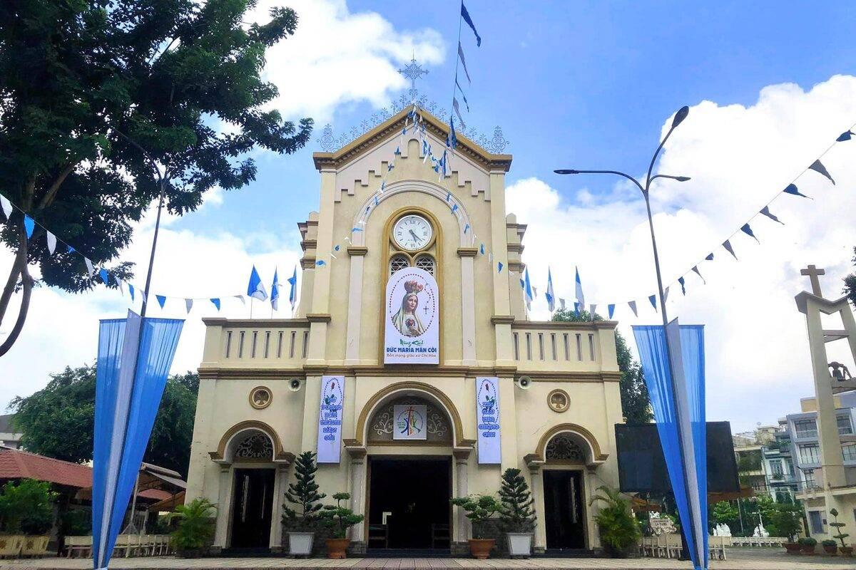 Nhà thờ Chí Hòa là một trong những nhà thờ Công giáo lâu đời tại quận Tân Bình (TP HCM) - Yeshouse