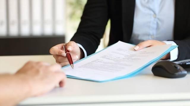 Công chứng viên giải thích rõ về quyền, nghĩa vụ và lợi ích hợp pháp cho hai bên