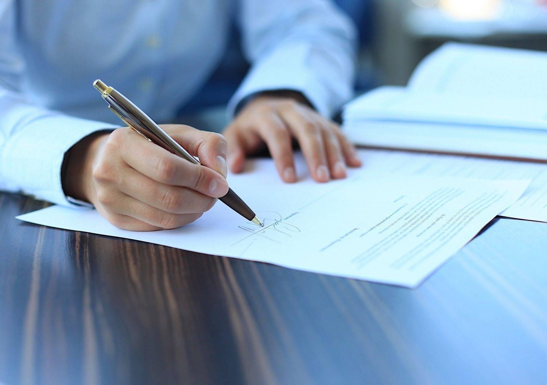 Thủ tục giải quyết tranh chấp hợp đồng đặt cọc mua bán nhà đất - yeshouse